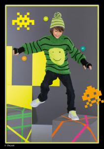 арт 261 (Размер: 128/134, 140/146    Пряжа: 55м/50г    Количество: 400 г зеленой, 100 г черной, 50 г желтой пряжи )
